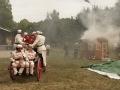 15 ... odvazi hasice k pozaru